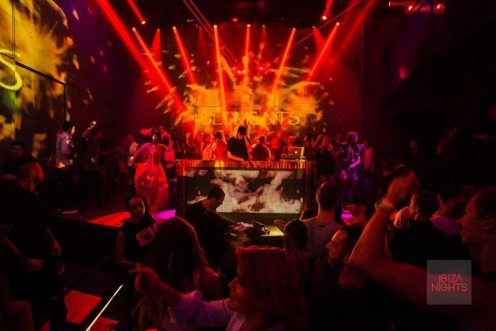 Decoración visual de la última fiesta de Elements, Fuego. Foto: Heart Ibiza