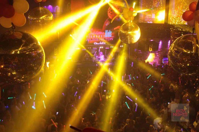 Foam Diamonds kids Paris Hilton llenó la sala de música, color y solidaridad.