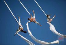 Playa con música. Una espectacular 'performance' aérea del Ocean Beach en el cielo de la bahía de Portmany. Ocean.