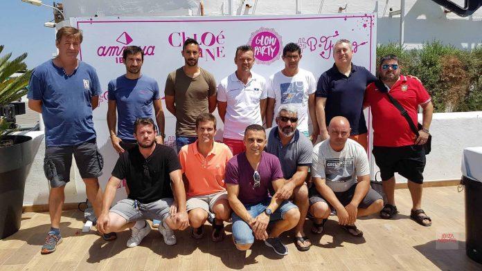 Representantes de los clubes de fútbol y de Amnesia. Foto: David Pareja