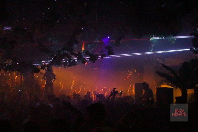 DJ-Harvey-Labyrinth-Pacha La fiesta fue un llenazo desde primera hora con DJ Harvey. Foto: Jesus Sierra