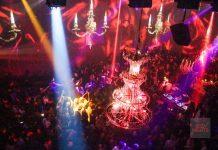Saga Heart Ibiza. Lámparas y candelabros son una seña de identidad de la fiesta. Foto: JS