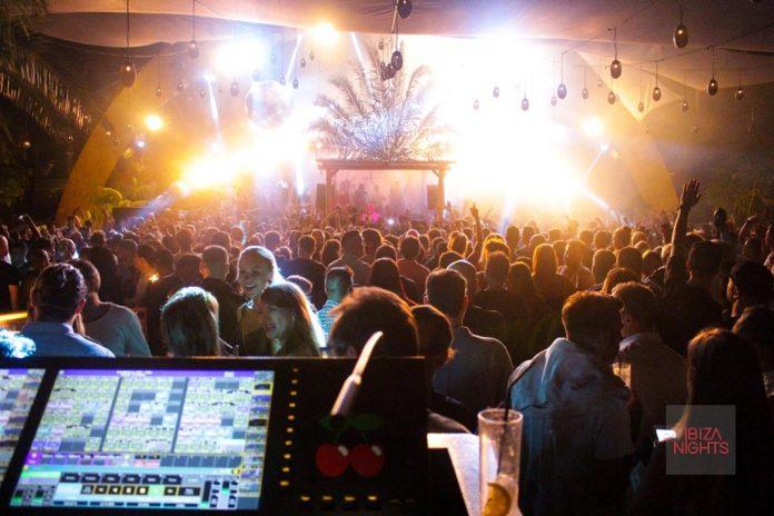 Vista del escenario desde el control de iluminación de Destino con Sven Vath. Foto Jesus Sierra
