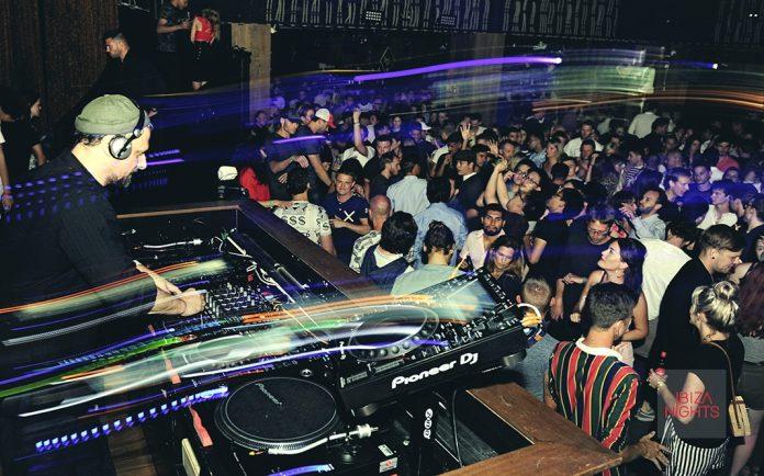 Los dj llenaron la sala con sus potentes ritmos. Foto: Gabriel Vázquez