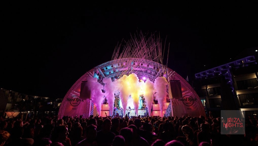 El espectacular escenario. Foto: Hard Rock.