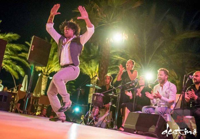 Espectáculo flamenco junto a Josemi y su elenco de artistas. Foto: Destino Ibiza