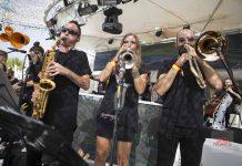 La divertida orquesta hará bailar sin tregua a los asistentes. Fotos: Ocean Beach