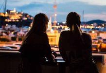 Fabulosas vistas a Dalt Vila y al puerto durante el atardecer. Fotos: STK Ibiza