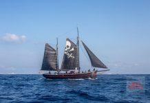 El velero realizó la travesía mientras el dj pinchaba a bordo. Foto: The Media Nanny