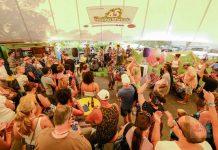 Actuaciones en directo cada miércoles. Fotos: Hippy Market
