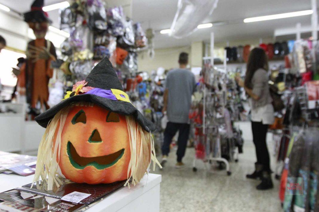 La Cucaña ofrece todo tipo de artículos terroríficos para Halloween.