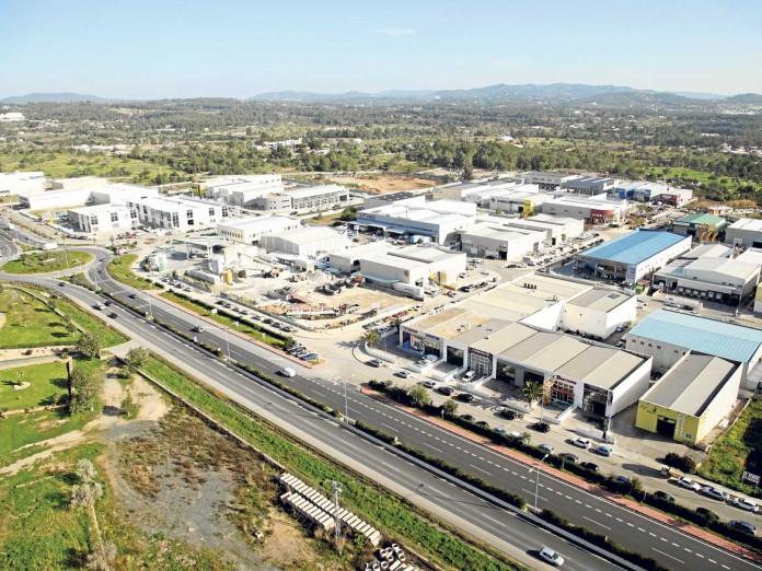 Vista panorámica reciente de la zona industrial de Montecristo, la mayor de las Pitiusas. | A.A.