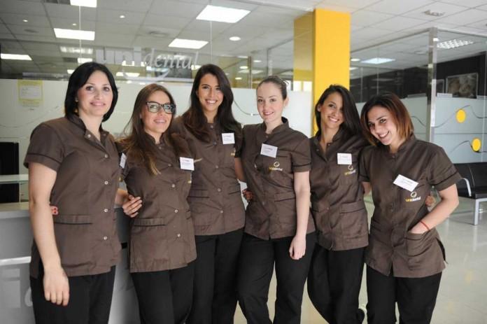 Equipo de profesionales de Unidental Ibiza. | GABI VÁZQUEZ