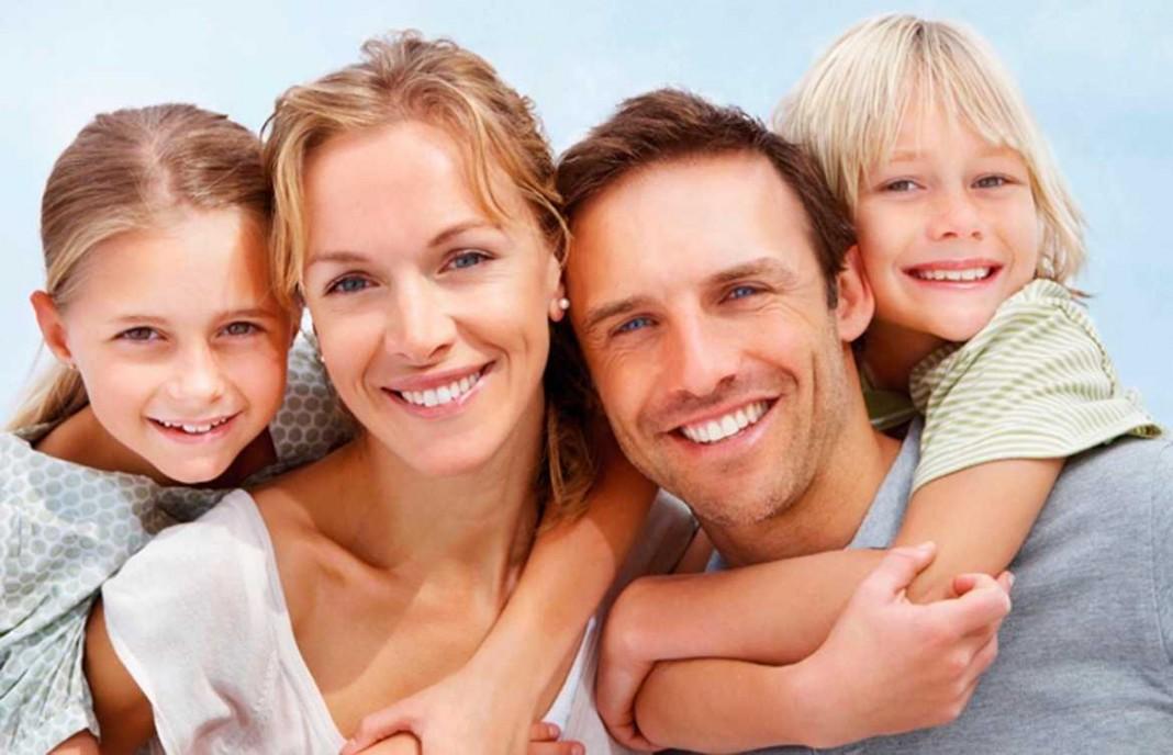 En la salud oral debe implicarse toda la familia y debe cuidarse desde la infancia. DIARIO DE IBIZA