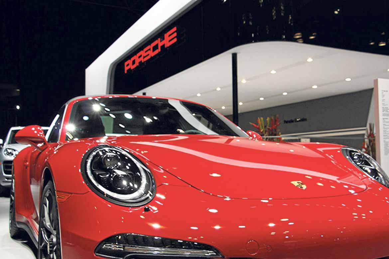 El Porsche 911 sorprendió por su depurado diseño.