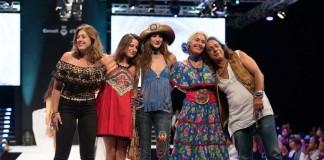 Los diseñadores Merel y Alok con sus dos hijas Goldie y Carlota y la modelo Laura Castro