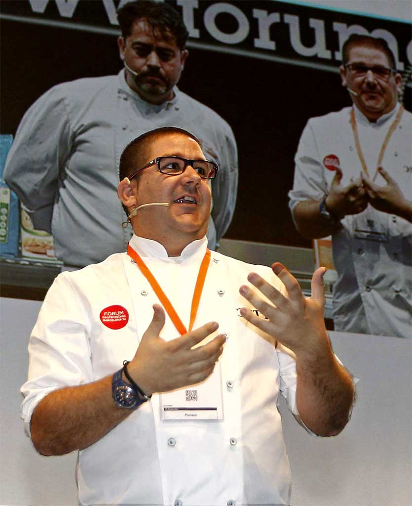 [:es]El chef Dani García.[:]