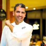 [:es]El chef Paco Roncero en el restaurante Estado Puro del Hard Rock Hotel de Platja d'en Bossa.[:]