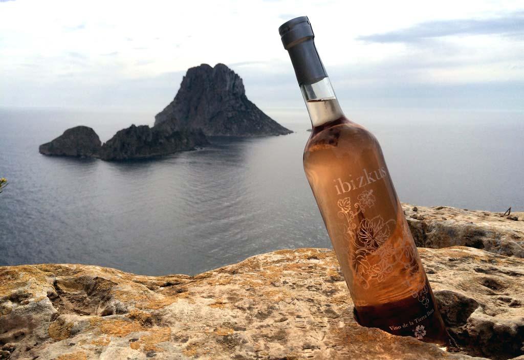 Ibizkus defiende la producción y la calidad del vino local.