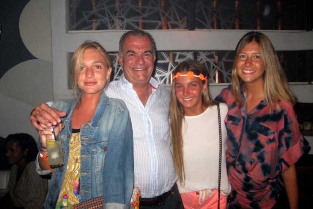 Carla, Jose, Anita y Alejandra Ribas