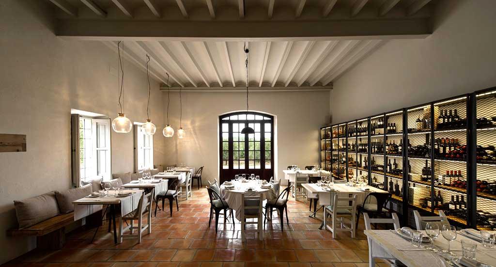 Decoración sencilla para una gastronomía auténtica en Ses Escoles