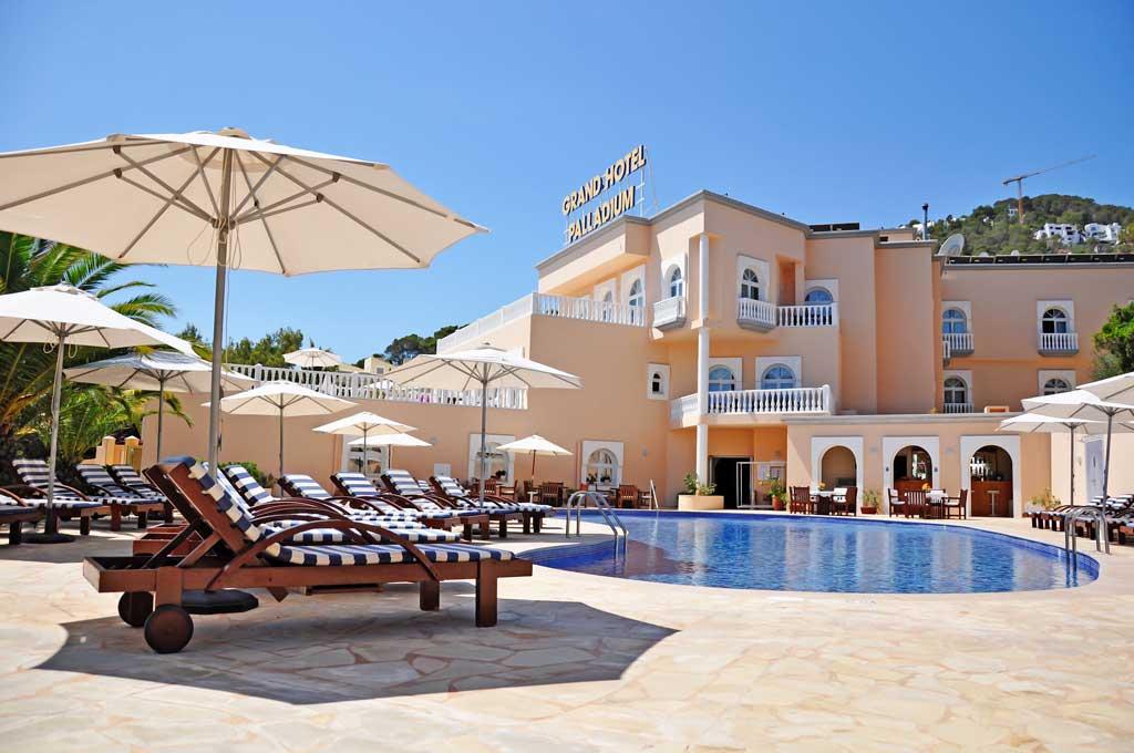 El hotel perfecto para disfrutar de unos días de descanso con los mejores servicios.