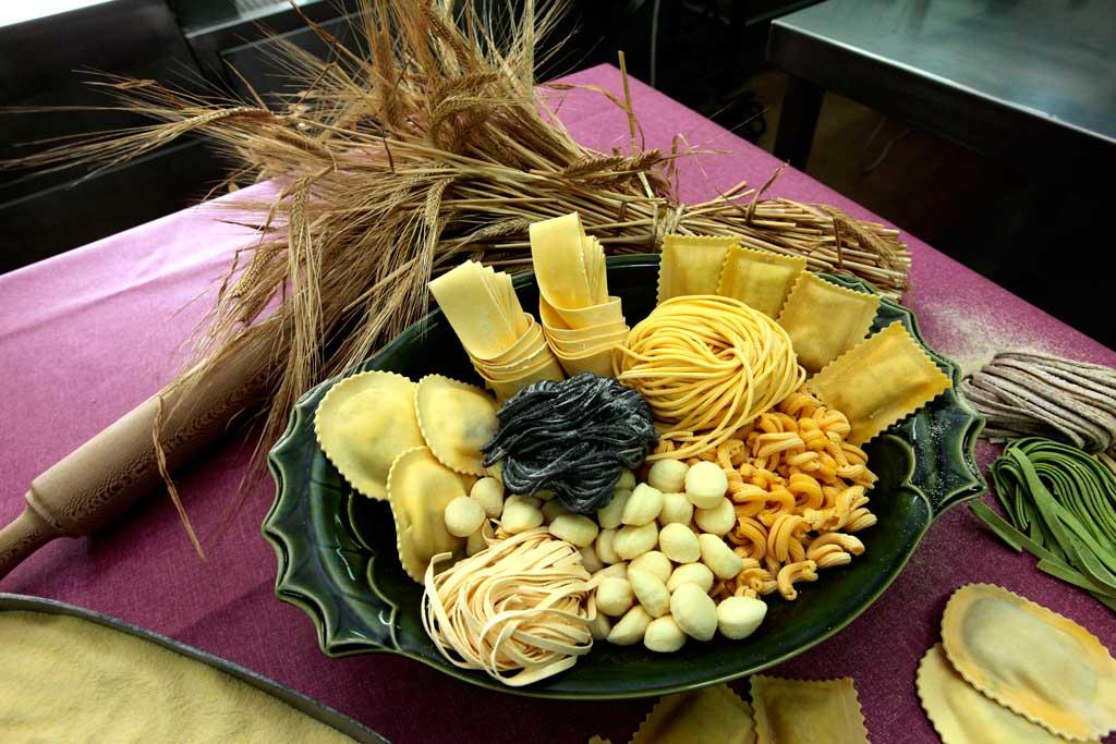 Gran variedad de pasta fresca elaborada con ingredientes naturales