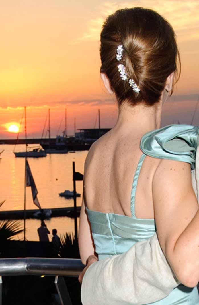 [:es]Los recogidos sencillos, los más pedidos por las novias. FOTOS RUBÉN E. IBÁÑEZ, AISHA BONET, ROCHA, P.CLAPÉS Y BCN BRIDAL[:]