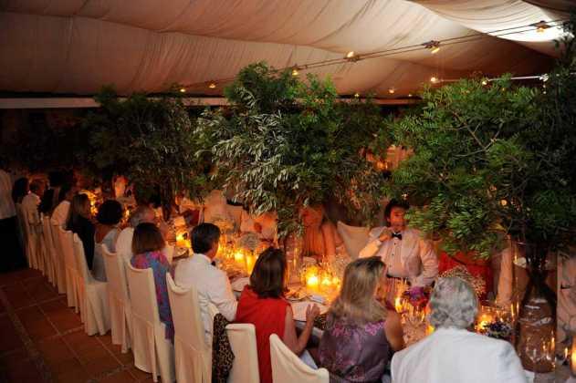[:es]Espectacular ambiente del comedor principal de la boda.[:]