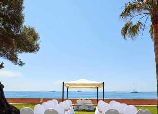 [:es]Un paisaje idílico frente al mar Mediterráneo.[:]
