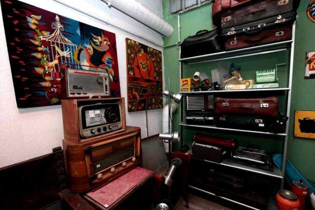 Antiguedades en el almacén. RUBÉN E. IBÁÑEZ
