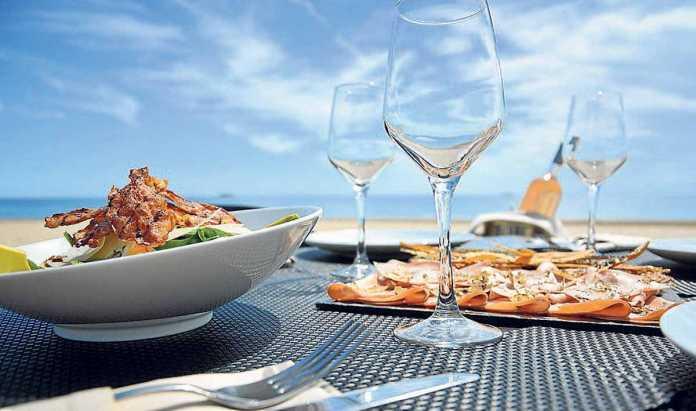 Exclusiva propuesta culinaria a pie de playa. C. BRONGNIART