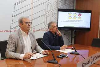 El presidente del Consell, Vicent Torres, y el director de Turismo, Vicent Torres.