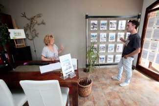 Muchos clientes buscan viviendas para sus vacaciones o como inversión.
