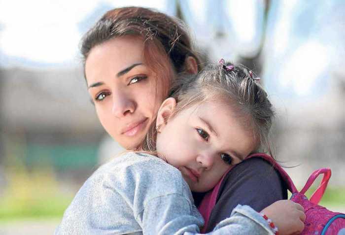 En torno a los tres años, los niños tienen explosiones emotivas que los padres deben ayudar a canalizar.