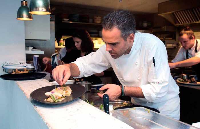 Una esmerada cocina de Pau Barba y su equipo.