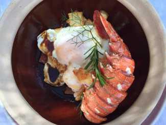 Huevo con langosta de Ibiza.