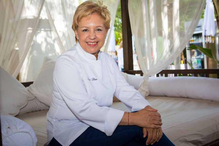 Susy Díaz posa en Atzaró tras la celebración del certamen gastronómico . AISHA BONET