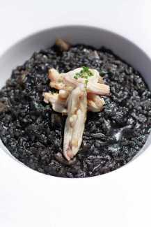 La cocina de vanguardia está revolucionando la oferta restauradora en dura competencia con la cocina tradicional ibicenca.