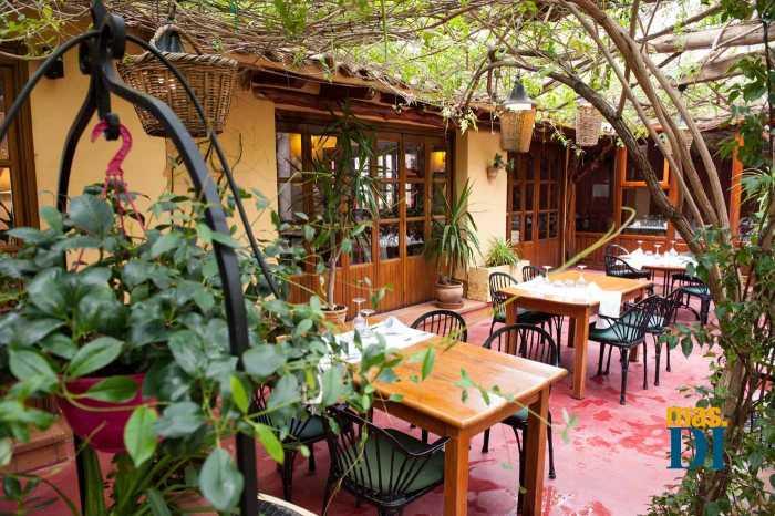 La meteorología favorable permite mantener terrazas y restaurantes abiertos casi todo el año.