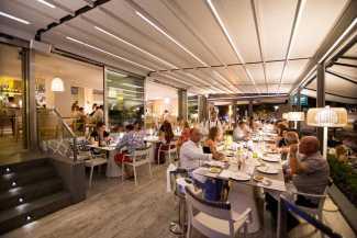 Restaurante ESTEL. Primer año frente al mar