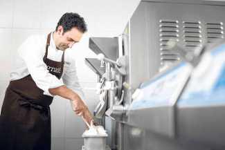 Fernando Sáenz | 'Chef del Frío'. «Un buen helado debe estar hecho de verdad» | másDI - Magazine
