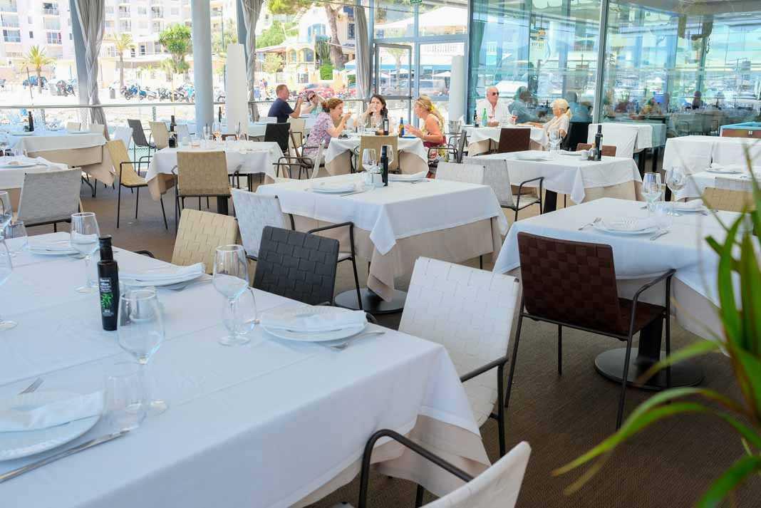 Restaurante Es Nàutic Un lugar perfecto para hacer una parada en cualquier momento del día.