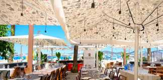 Restaurante SaGardi Cocineros Vascos está situado en la plaza sa Riba.
