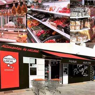 Fachada e interior del supermercado Can Parejo. S.B.
