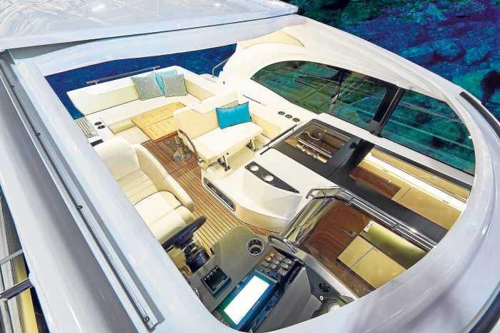 Náutica Ereso. Leader 33, cabina e interior espaciosos