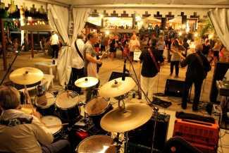 Contraband actuará en Can Cires en motivo de las Festes de Sant Mateu   másDI - Magazine