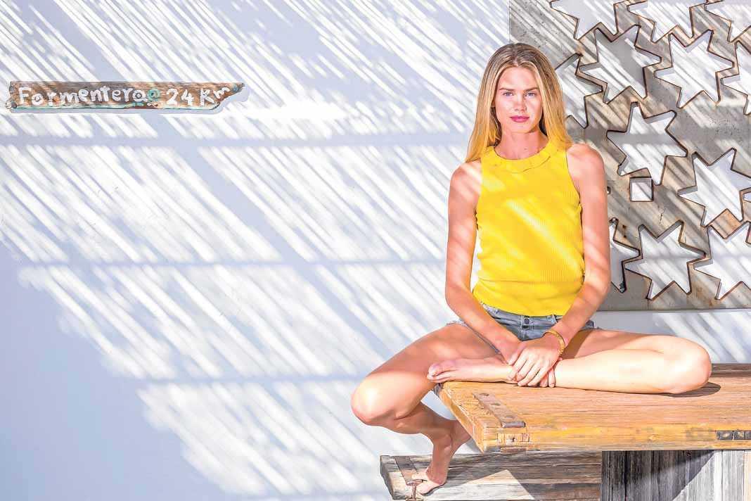 Vanessa Hessler. Primer plano de la bella 'top model' ítalo-americana durante sus vacaciones en la isla. A. B.