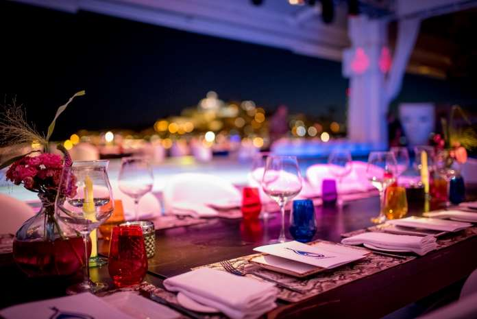 En la cena benéfica participaron 450 comensales.