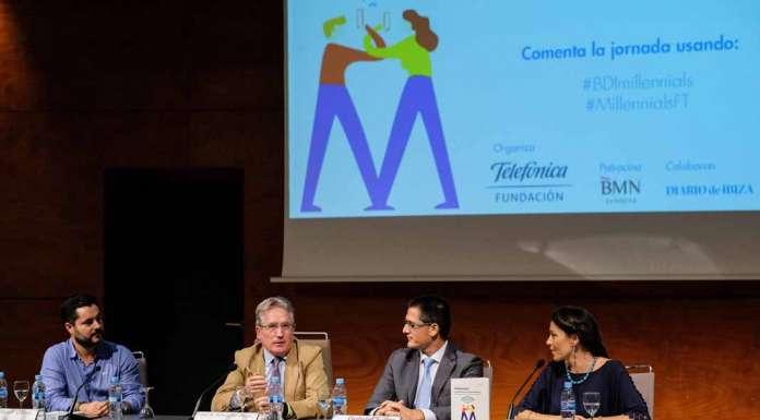 Millennials. De izquierda a derecha, Óscar Cabo, José María Álvarez Monzoncillo, Gabriel Suñer Soler y Jimena L. Ansótegui, ayer durante la charla.